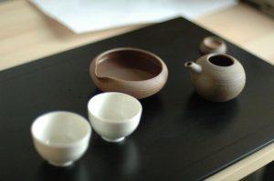 日本茶を入れる急須・湯冷まし・湯呑がセット