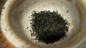 東平玉露の茶葉