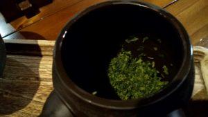 芽茶の茶葉の様子
