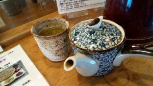 つけもの喫茶で急須でお茶