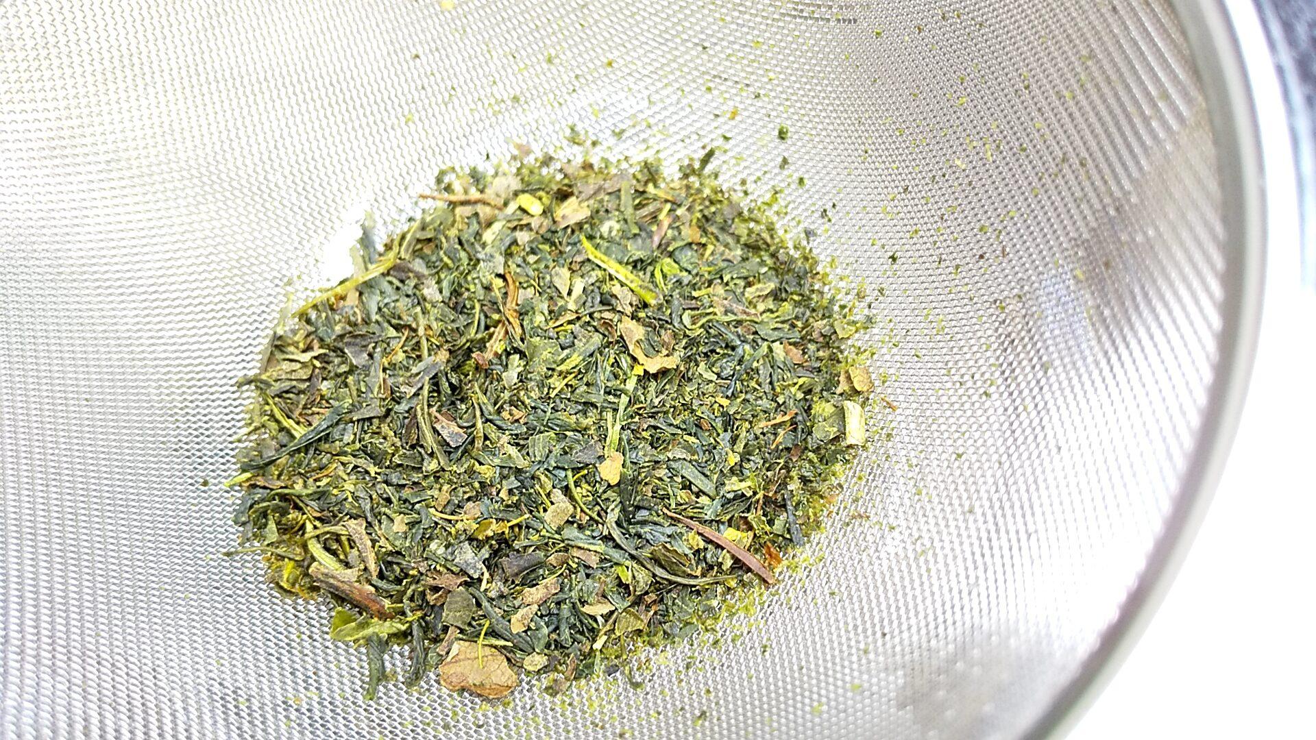 桜の煎茶 茶葉の様子